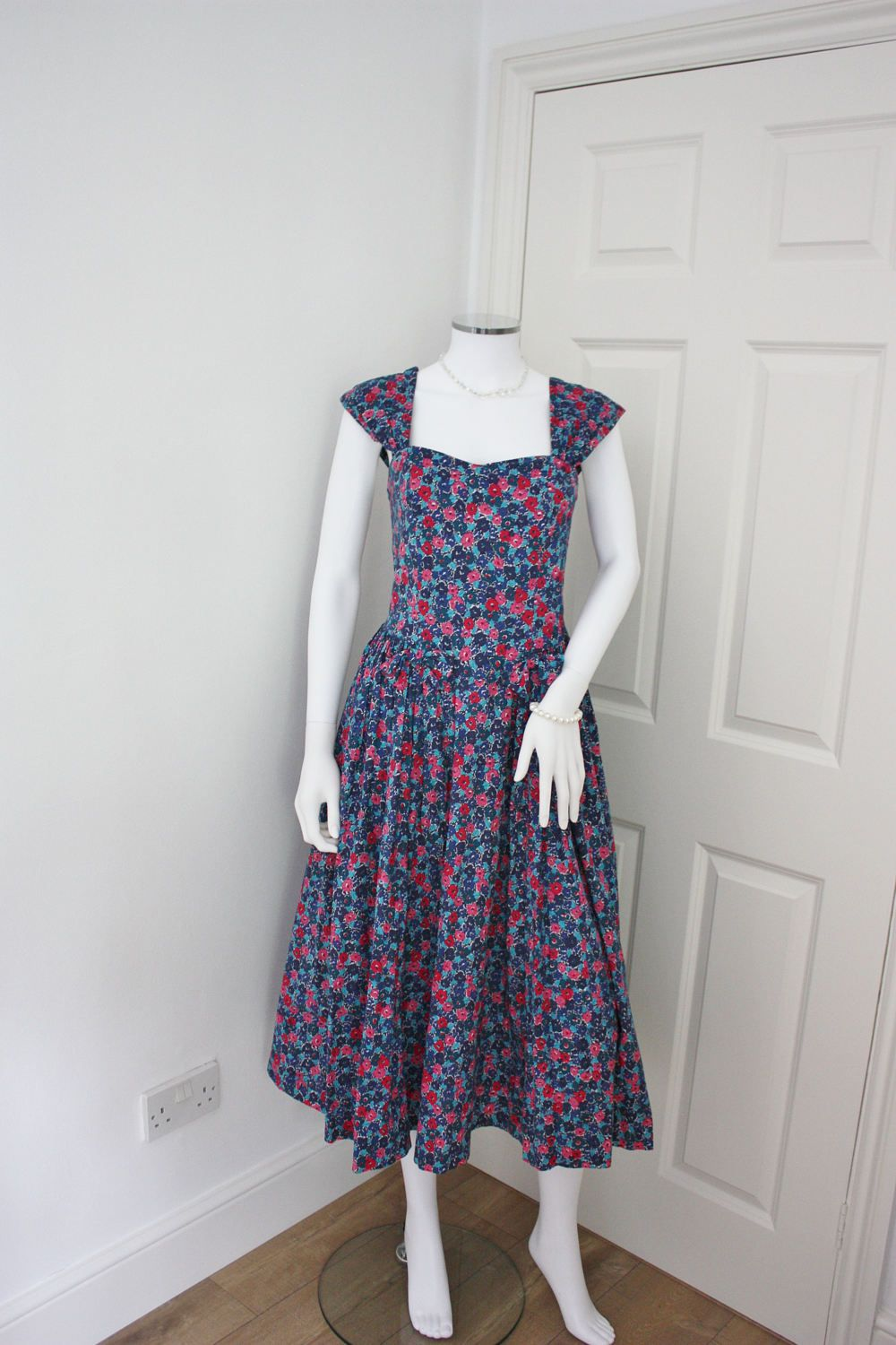 Vintage Laura Ashley dress, 80\'s cotton floral dress, summer dress ...