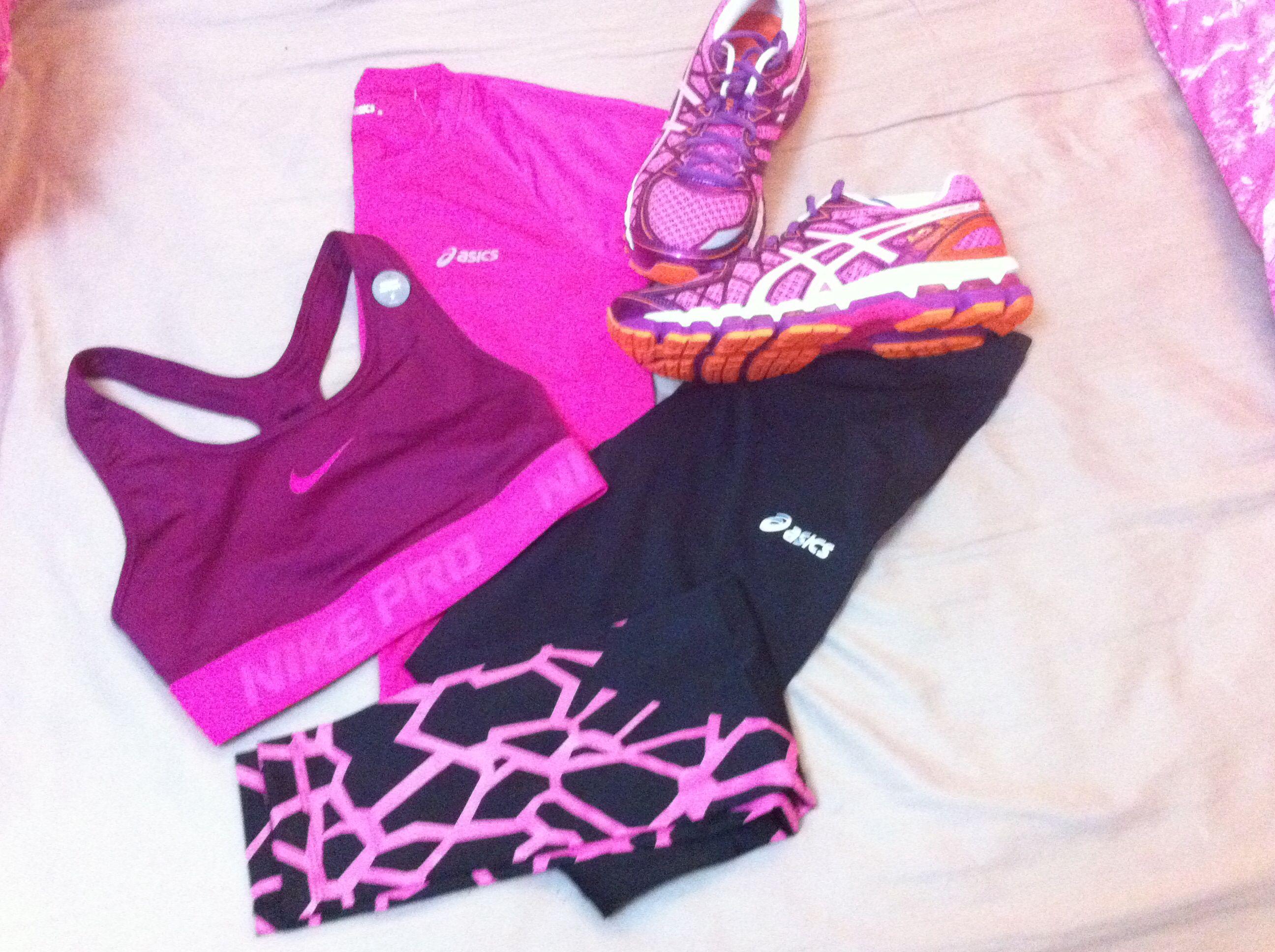 I like bright colours!!! asics keyano 20, tshirt and leggings ...