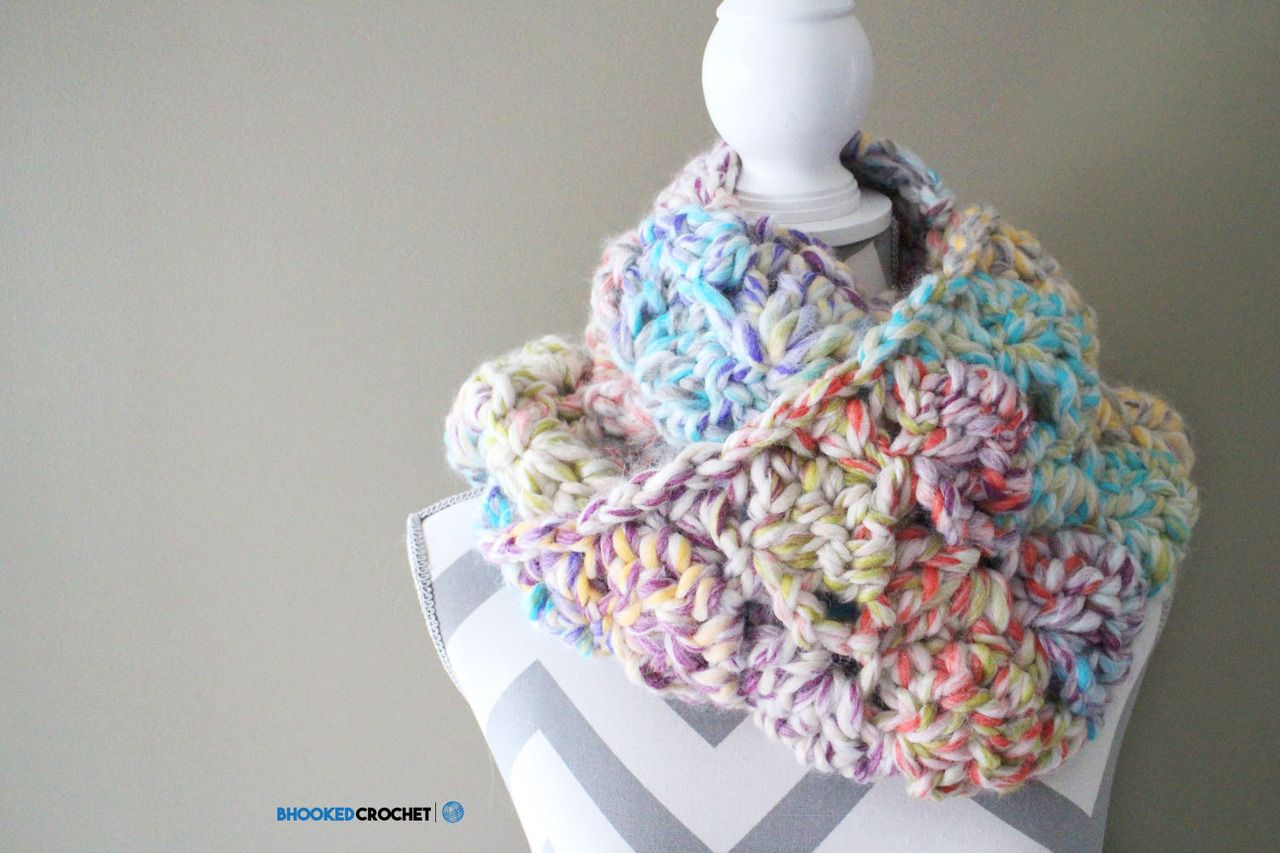 Easy Crochet Scarf - Snuggle Up Scarf by Red Heart - Pattern & Tutorial