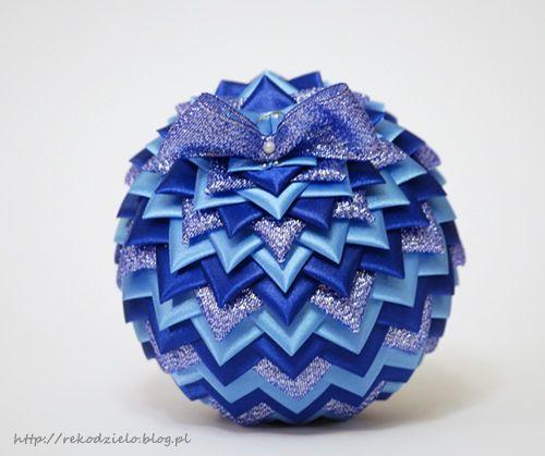 Recznie Robiona Bombka Wstazkowa Karczoch Nr 129 Rekodzielo By Fus Clay Beads Ornament Crafts Quilted Ornaments