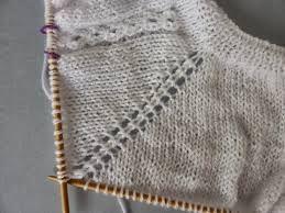 Resultado de imagen de hacer chaquetita para recien nacido empezando por el  cuello 01ccf8ad45db