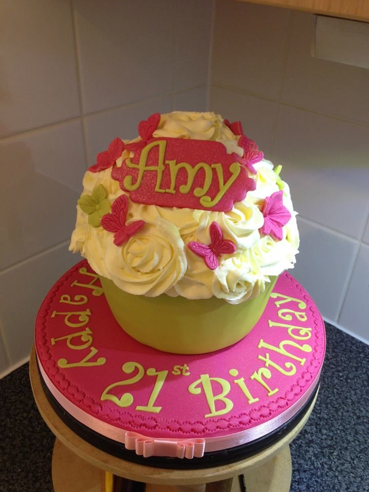 21st Birthday Giant Cupcake Cakes By Me Seriously Cakey
