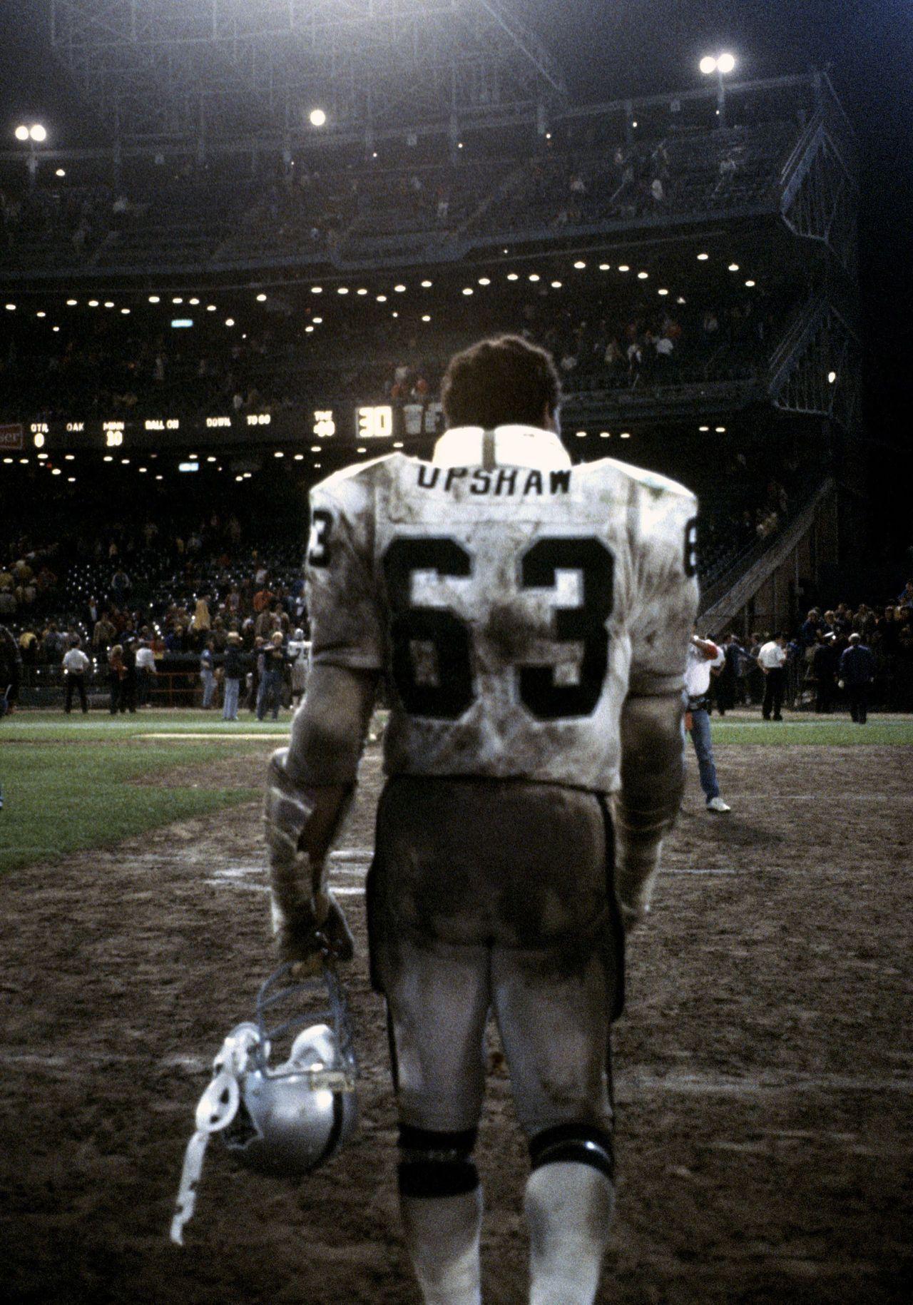 74853fd39 Gene Upshaw | Gridiron Gang | Oakland raiders football, Raiders ...