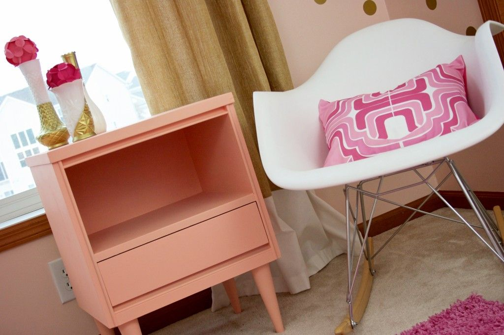 Love the shades of pink and gold in this modern nursery!