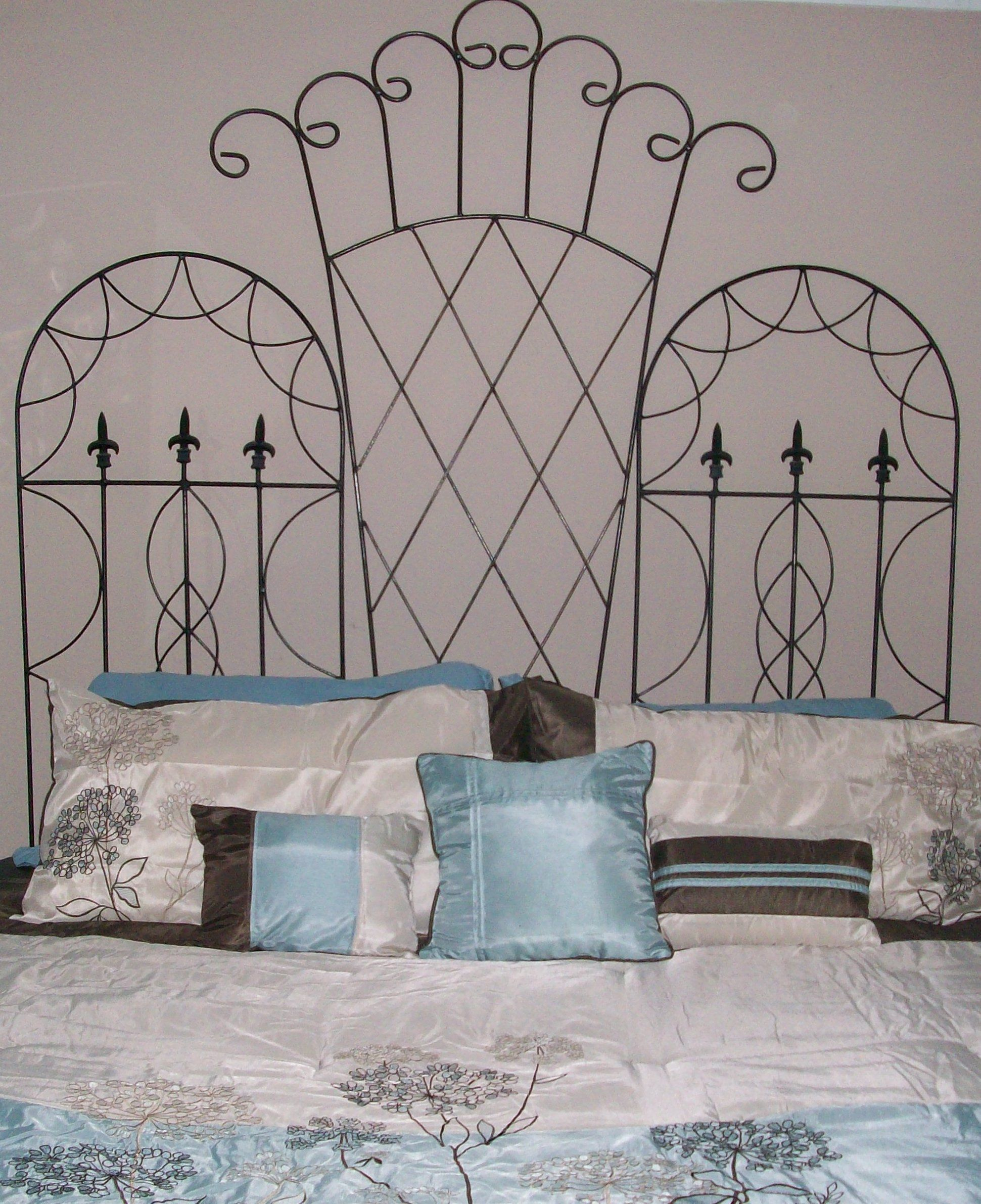 We had a king size bed with no headboard and a large