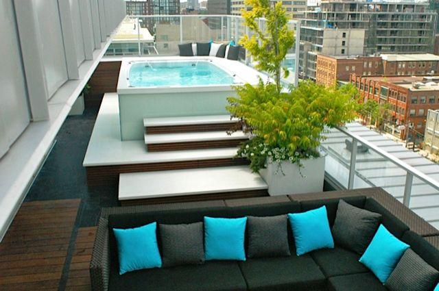 spa de nage aquaplay clair azur sur terrasse toit deco ext rieure spa de nage terrasse toit. Black Bedroom Furniture Sets. Home Design Ideas