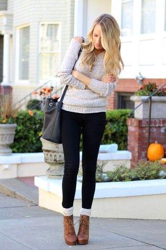 Tenue  Pull surdimensionné gris, Jean skinny noir, Bottines à lacets en  cuir , Chaussettes montantes 1f185c9fa8f5