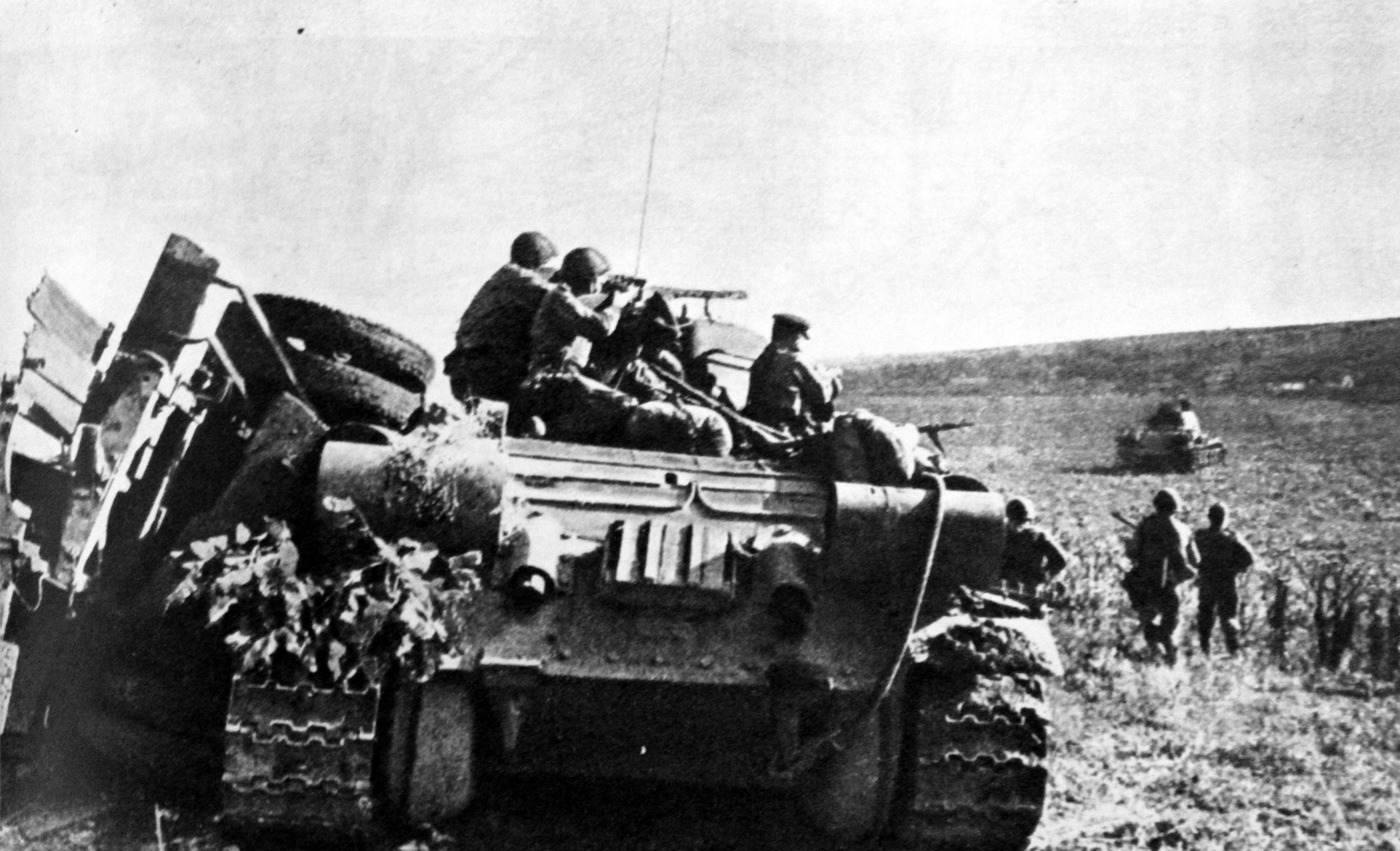 Pin by Emil Ashworth on WWII Pics. | Soviet troops