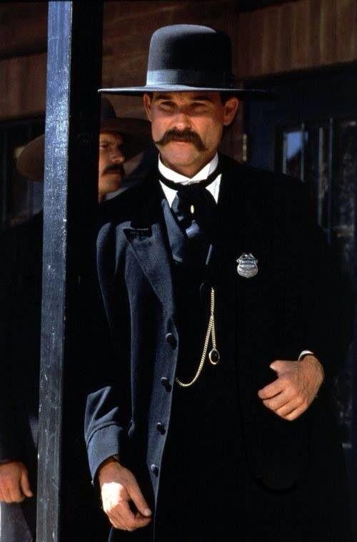 Kurt Russell In Tombstone Tombstone Movie Actors Westerns