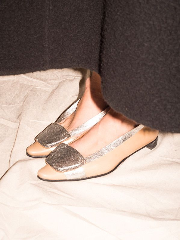 TER ET BATINE FLAT WITH SILVER DETAIL