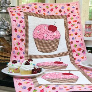 Hey, Cupcake!: Fast Novelty Appliqué Wall Quilt Pattern.. free pdf ... : how to applique quilt tutorial - Adamdwight.com