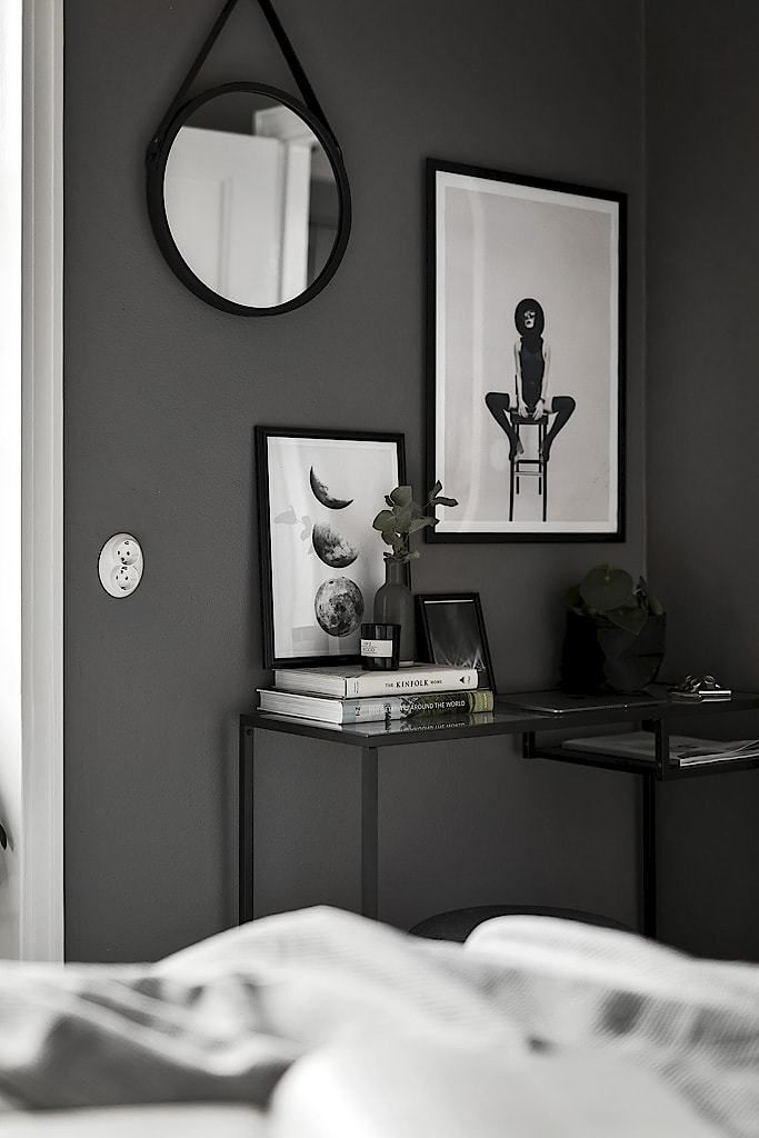 Piso nórdico de 44 m² en gris oscuro | delikatissen