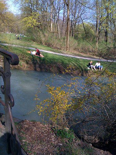 River Isar at the Englisch Gartens in Munich by Frau Chrissie, via Flickr