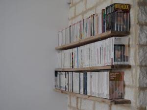 d co des tag res pour livres de poche. Black Bedroom Furniture Sets. Home Design Ideas