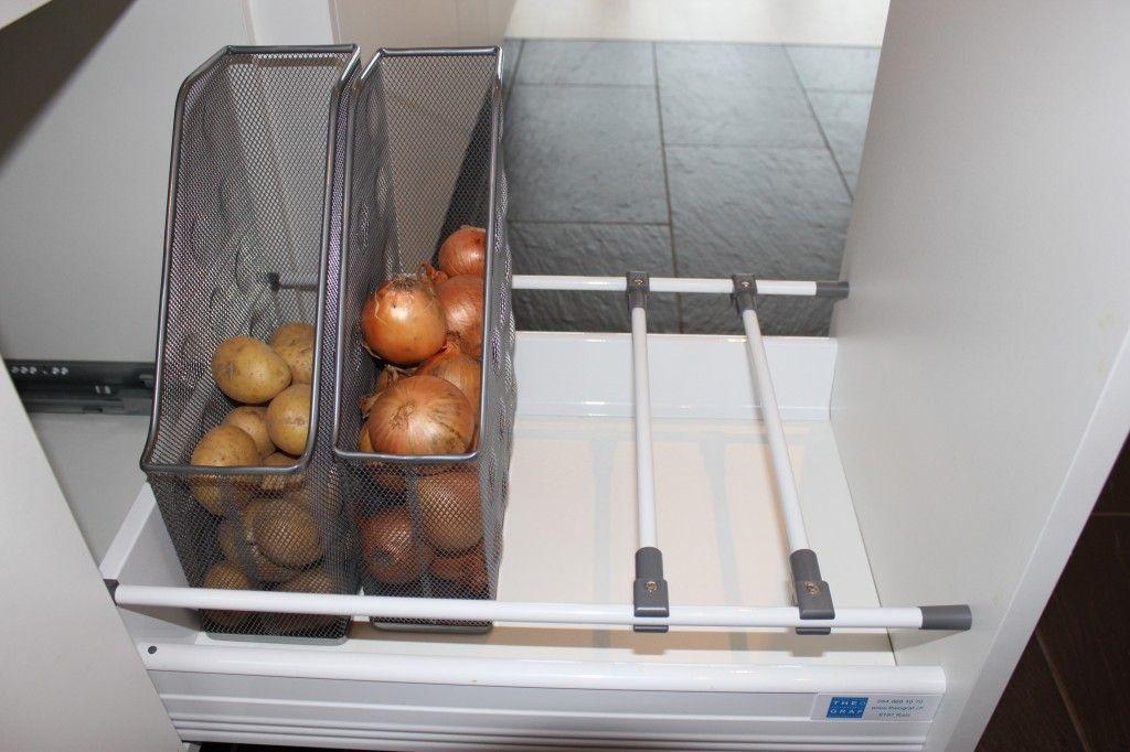 kartoffeln und zwiebeln in zeitschriftenhaltern lagern wohnen pinterest zwiebeln lagern. Black Bedroom Furniture Sets. Home Design Ideas