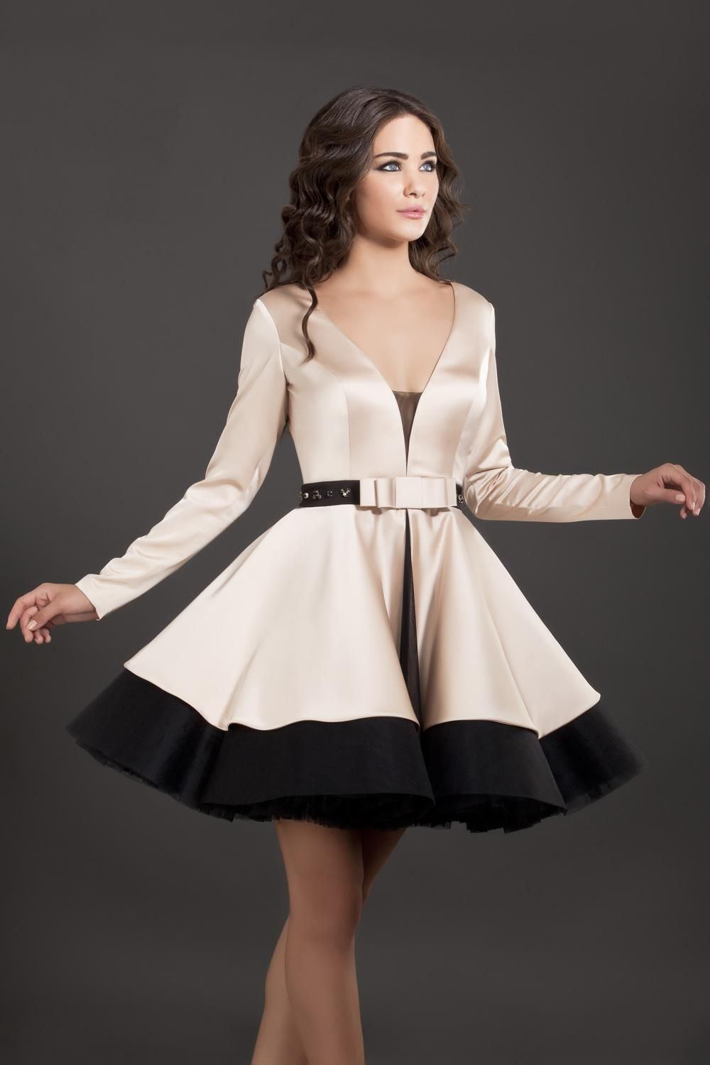 fashionable black and champagne vneck short homecoming dresses