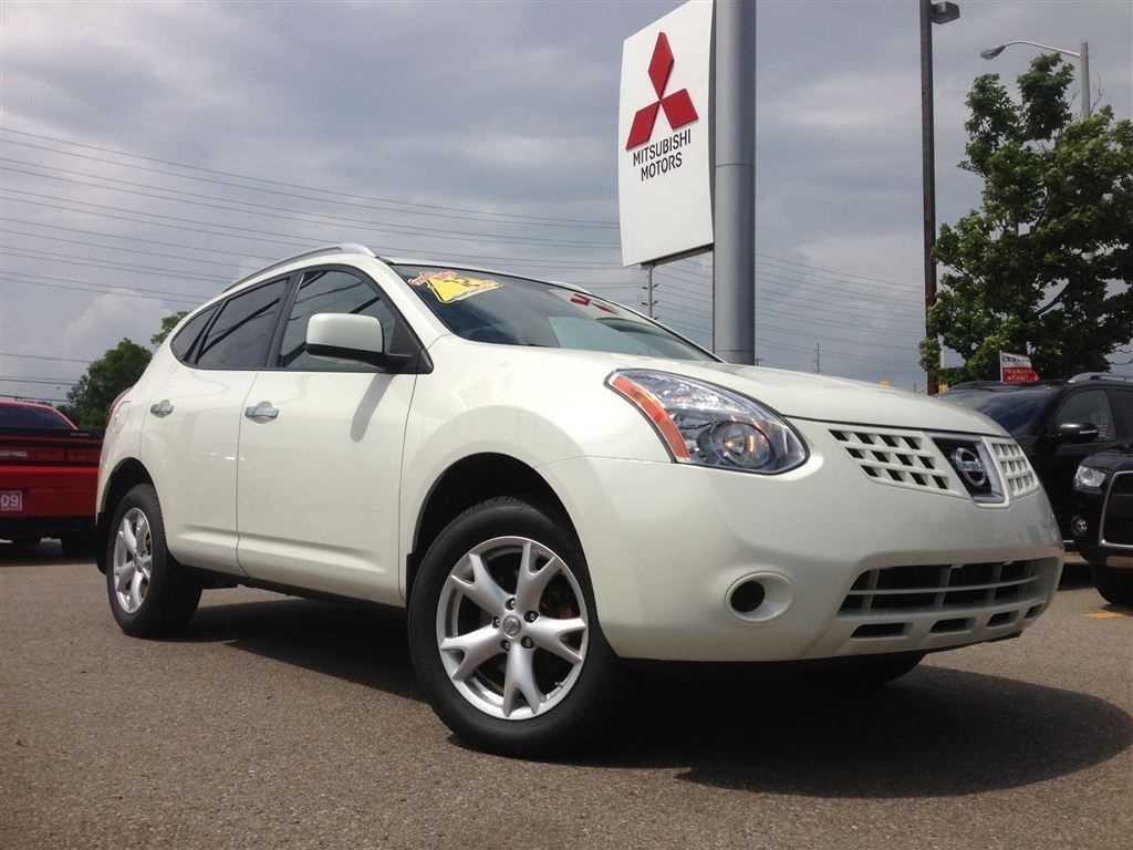 2010 Nissan Rogue S! Absolutely beautiful 2.5 4 cylinder