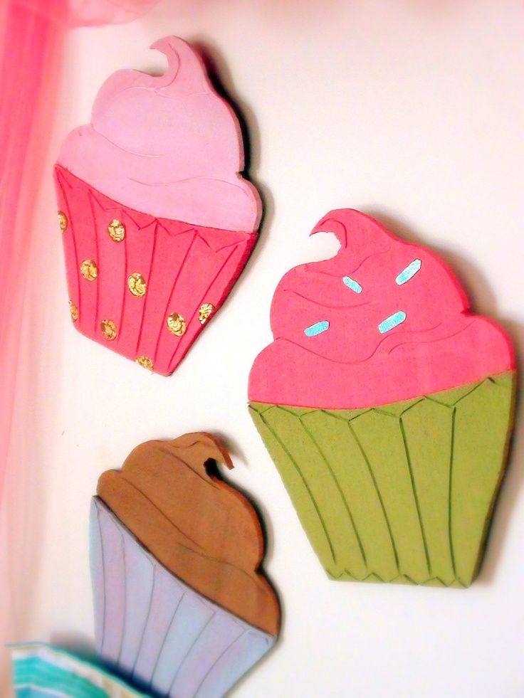 Set Of 3 Large Cupcakes Wall Art Could Recreate With Some Artistic Ability And Paper