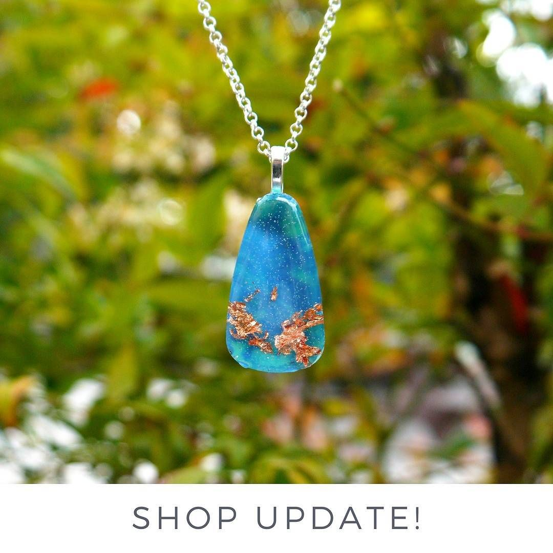 It's finally summer ! And that means..... ~~~~~~~~~ SHOP UPDATE: My shop will be closed as I will be traveling out of the country and unable to process orders. But not to worry, things will be back and running in September 2017! Safe travels to everyone and happy summer!  #resin #handmade #resinjewelry #resinmaking #teardrop #copperflake #coloredresin #resinart #blue #waterdrop #waterlover #marbled #kainoadesigns