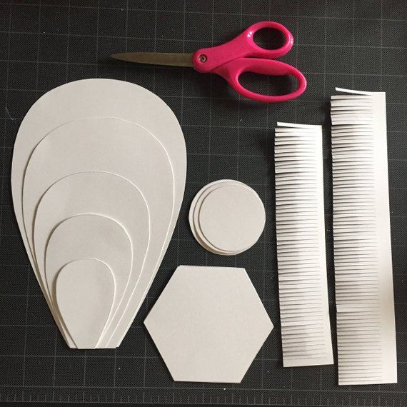 Paper Flower Template, Large paper flower diy, Round Petal paper flower, easy paper flower template, PDF and SVG files #giantpaperflowers