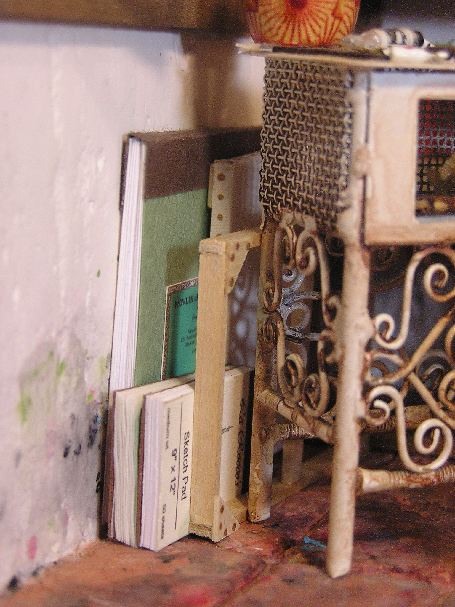 THE ARTIST'S STUDIO sketch pads and canvas frames