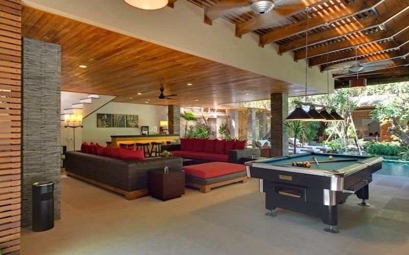 Villa Kinaree offers privacy, with two wings, facing one another across gorgeous landscaped gardens and swimming pool.