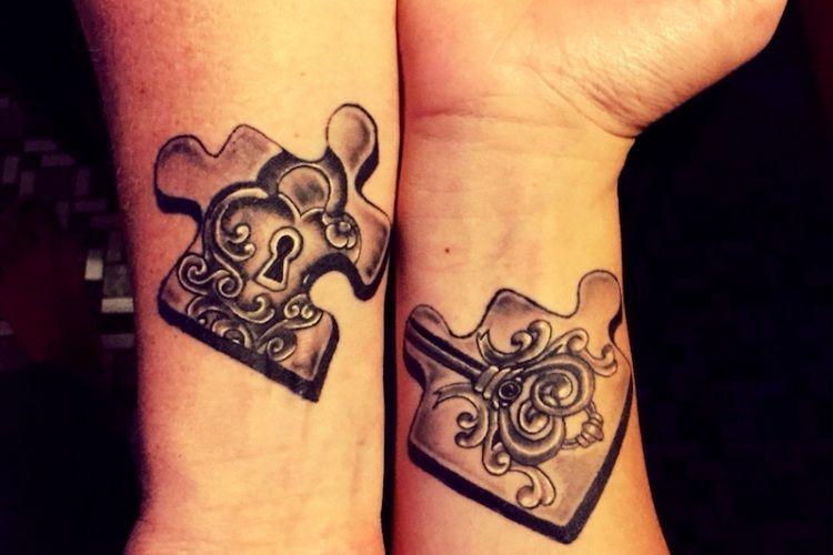tatouage couple original 70 id es pour passer sous l 39 aiguille sans regret tatouages. Black Bedroom Furniture Sets. Home Design Ideas