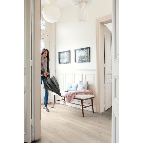 Laminate Flooring Soft Oak Light Quick Step 8mm Leroy Merlin South Africa Grey Laminate Flooring Laminate Flooring Diy Flooring