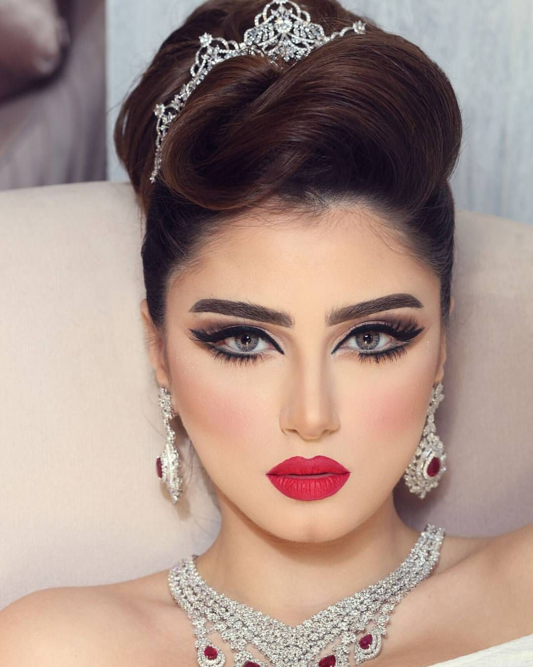 Arabic Hairstyles For Weddings: Pin By Chubby To Chik On My Wedding Makeup In 2019