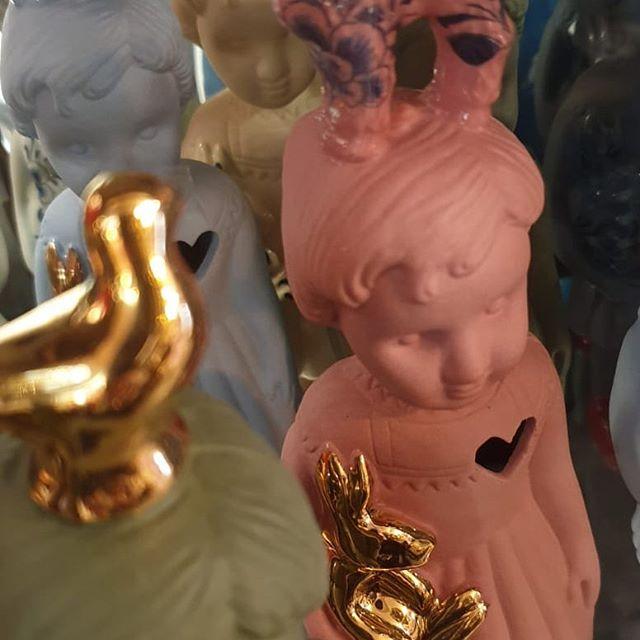 """Baars-Bloembinders on Instagram: """"Pupke in pastel 🌸🌸🌸. . . . #pink #green #blue #pupke #gold #kado #leuk #interieur #baarsbloembinders"""""""
