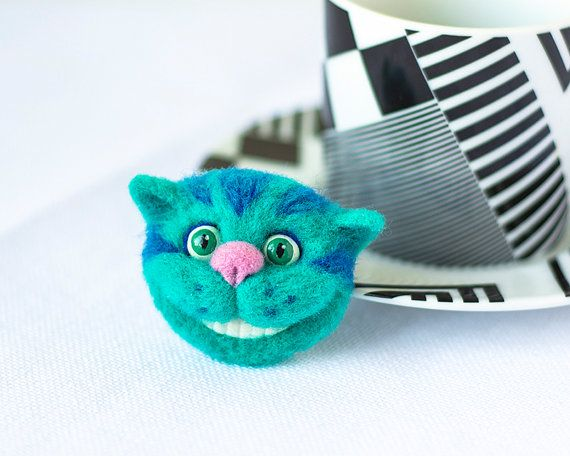 Awesome Etsy listing at https://www.etsy.com/pt/listing/248230866/cheshire-cat-jewelry-alice-in-wonderland