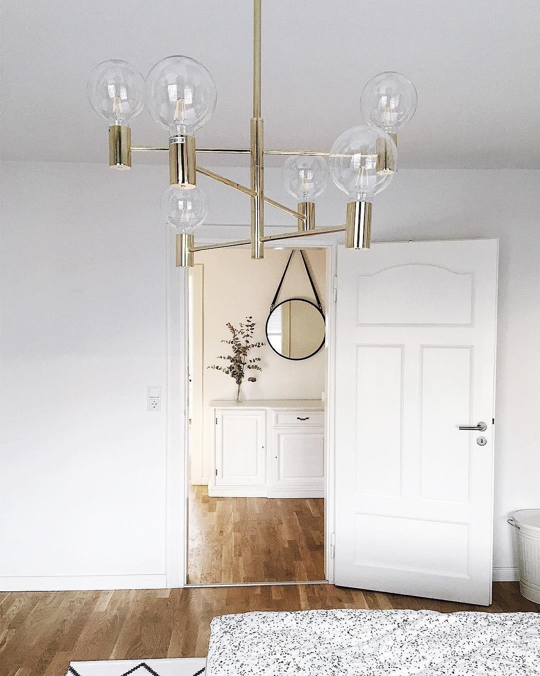 Große Pendelleuchte Capital In Messing Westwingnow Wohnzimmer Leuchte Lampe Gold Pendelleuchte Wohnzimmer