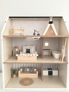 How to Paint Your Second Hand Dollshouse