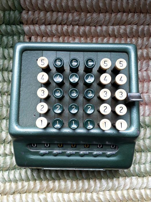 Nu in de #Catawiki veilingen: Mechanical Calculator Bell  Punch Company Ltd  Procento Plus - England - 1960