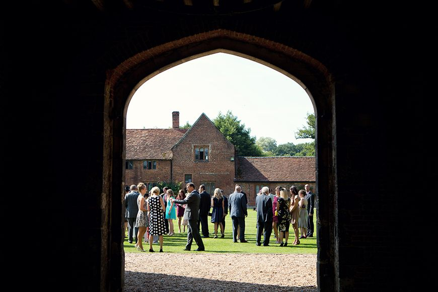 A classic Summer Country House Wedding in Essex - Reception drinks | CHWV