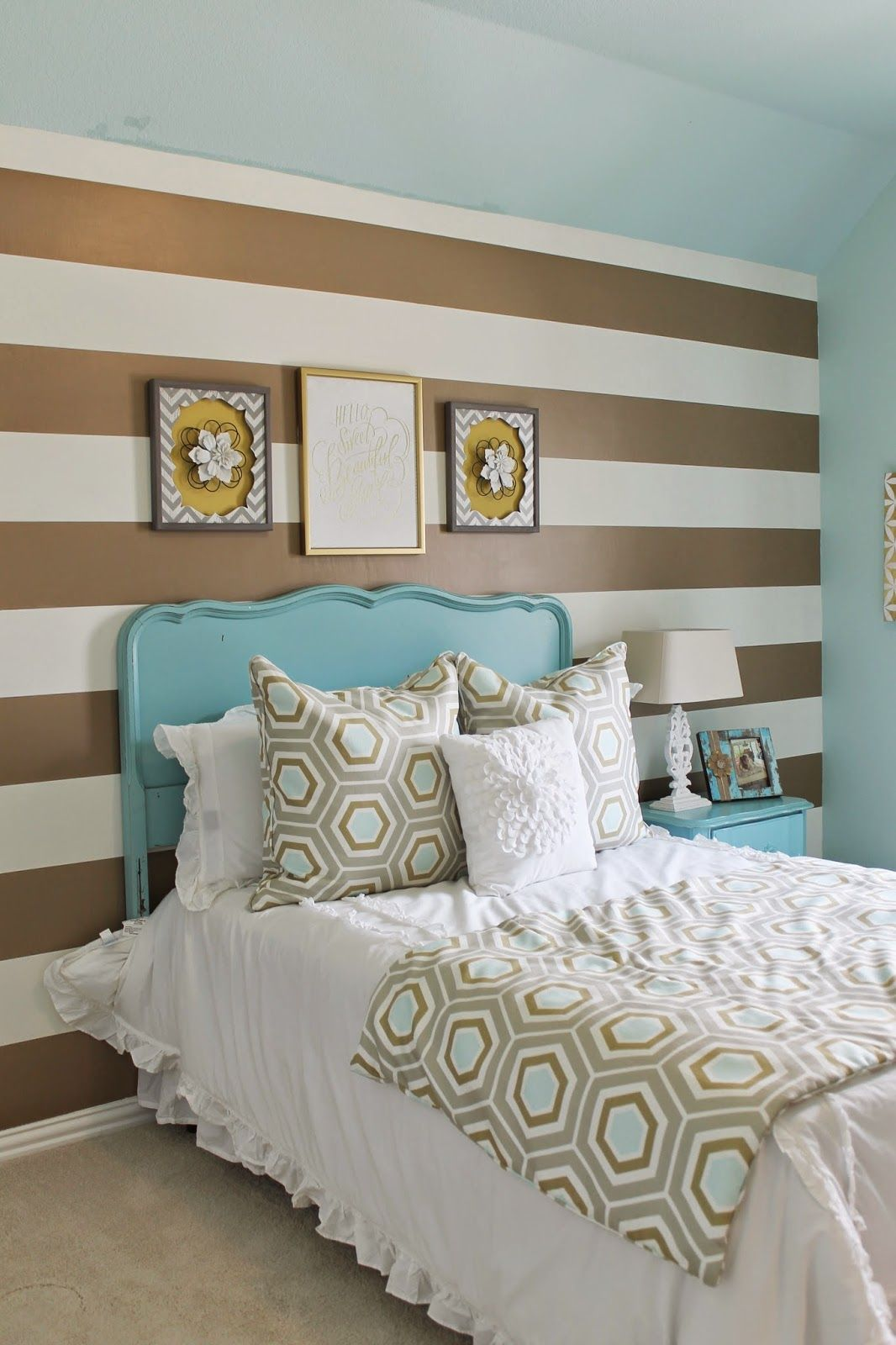 Shabby chic meets glam in this cute teens room Gold and Turquoise