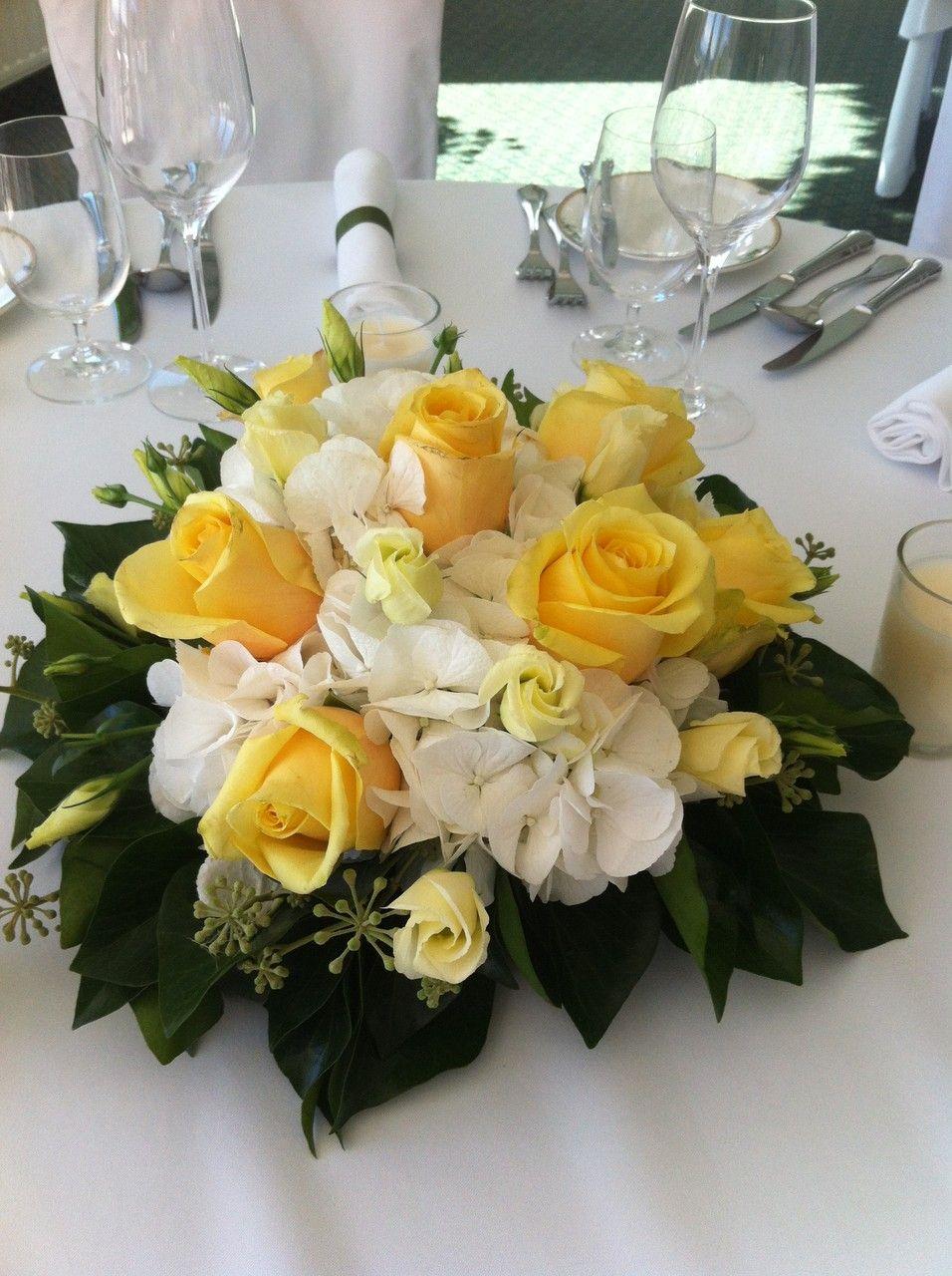 Gelbes Blumengesteck Hochzeitstafel Hochzeit Blumengestecke