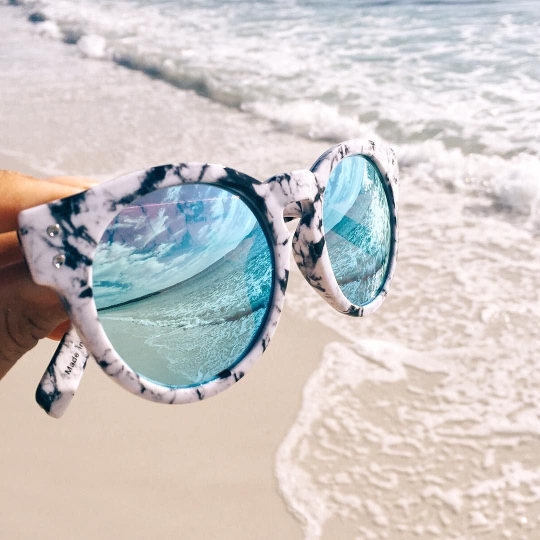 "THE ICONIC on Instagram: ""Make it pop! Our new Quay Australia ""High Emotion"" sunnies look good from every angle. #theiconic #marble #bluecrush"""