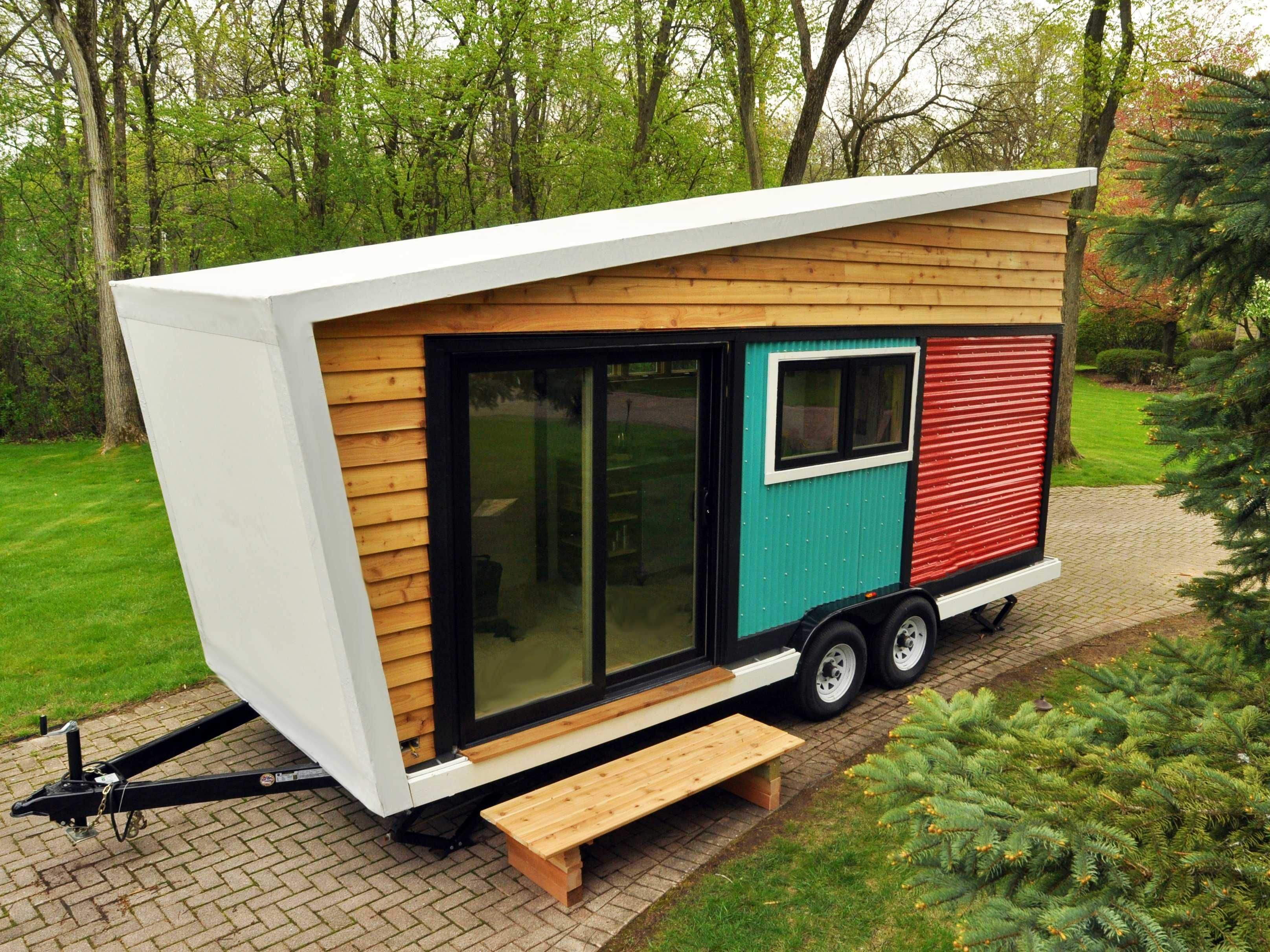 das toy box tiny home ist auch durch eine riesige eingangst r aus glas tiny haus pinterest. Black Bedroom Furniture Sets. Home Design Ideas
