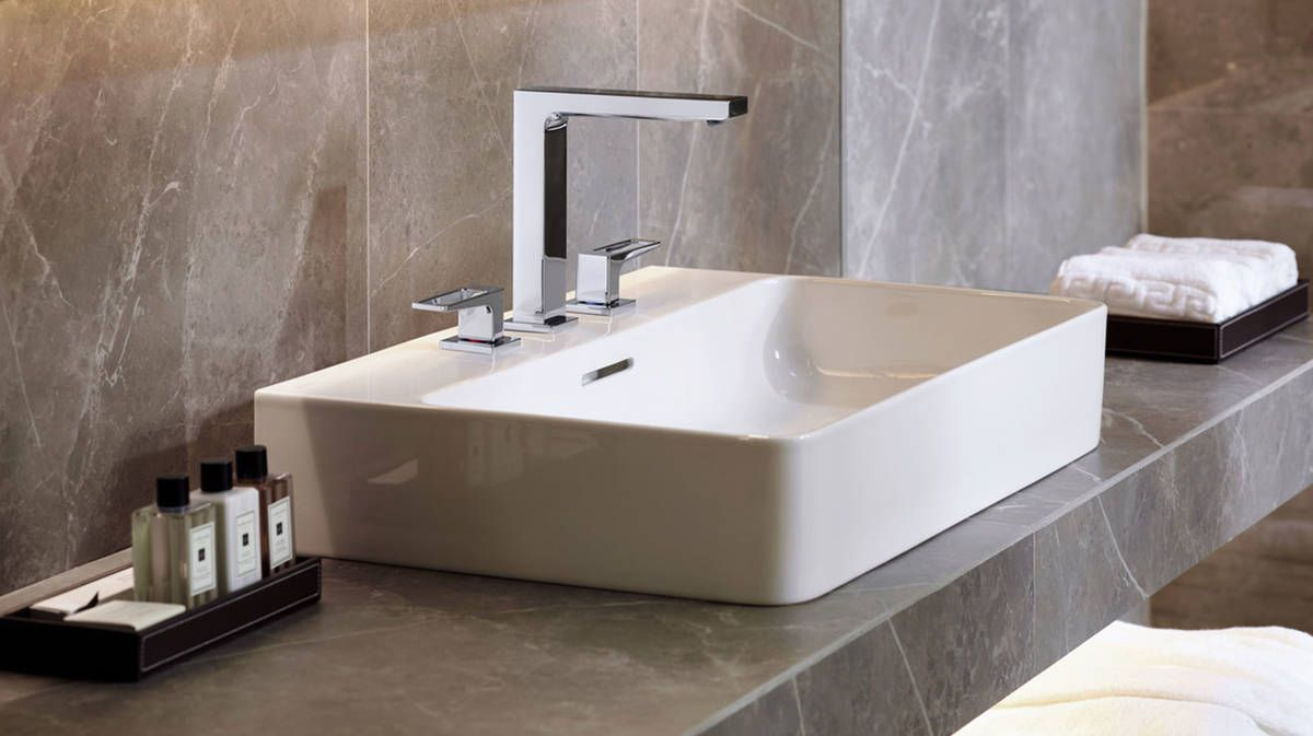 Widespread faucet from hansgrohe Metropol collection in a modern ...