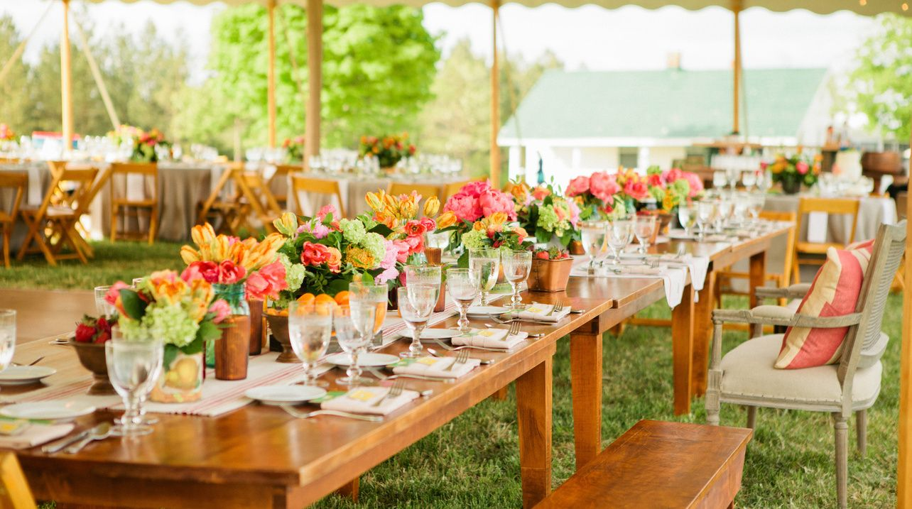 Love This Southern Inspired Wedding From Thanks To The Catering Outfit For Sharing Blooms By Pats Floral