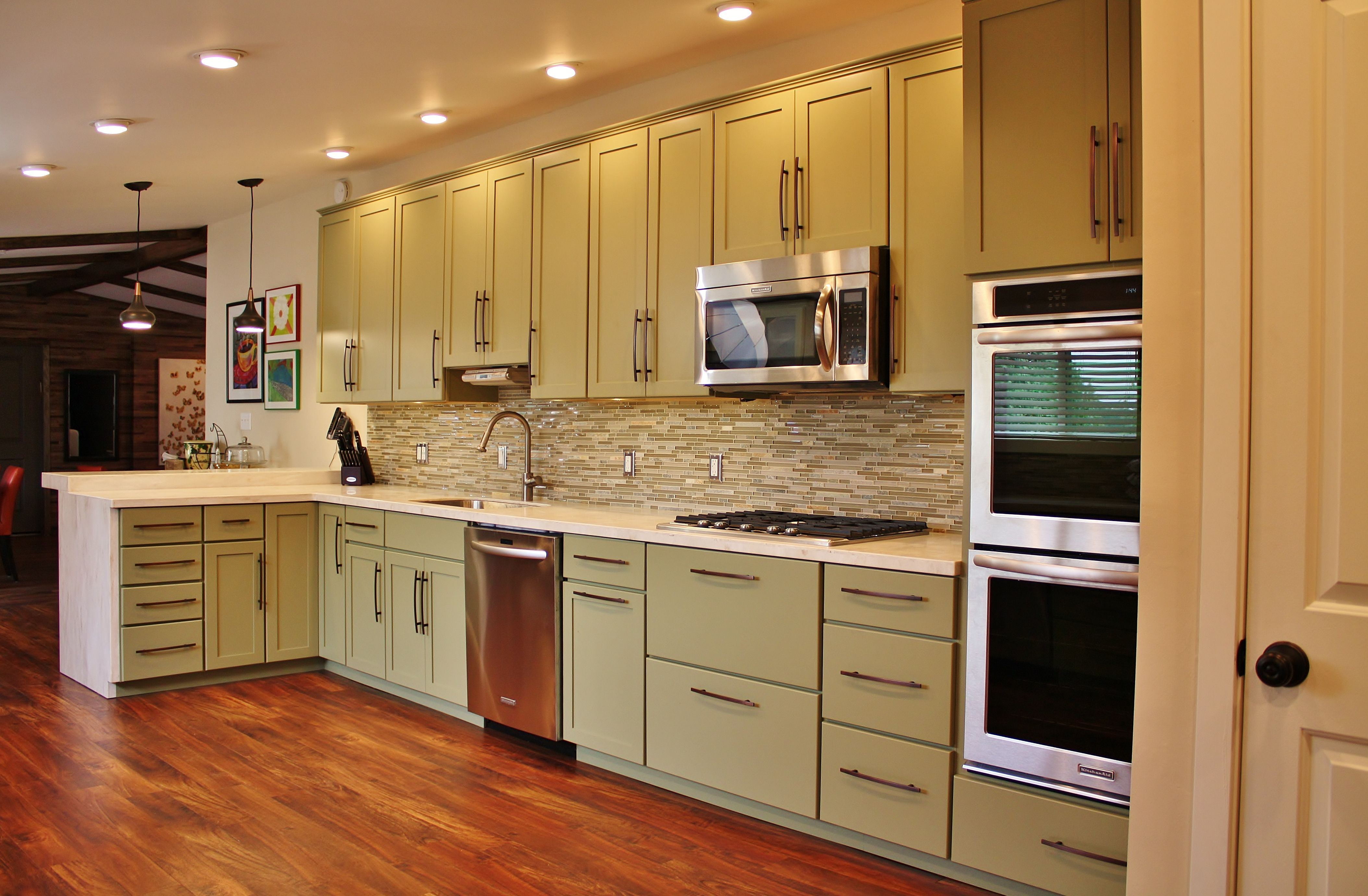 Holiday Kitchens Seattle Shaker Cabinets Corian Solid Surface Countertops Kosher Kitchen Glas Waterfall Countertop Holiday Kitchen Solid Surface Countertops