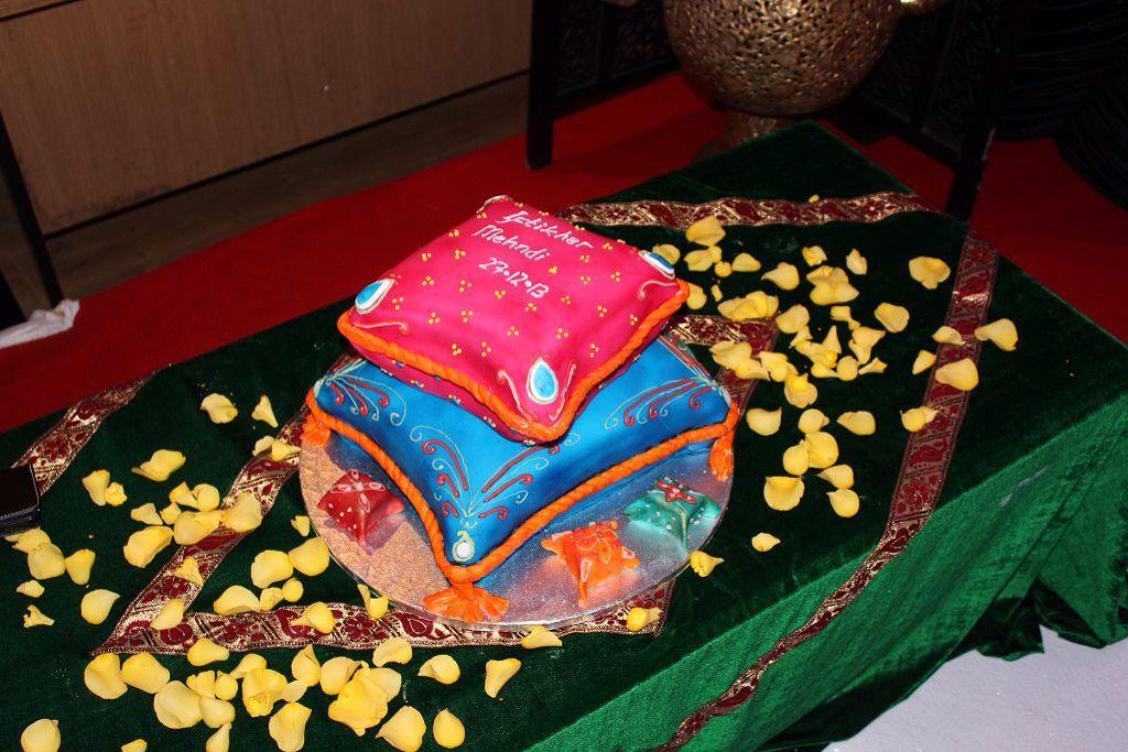 Mehndi Cushion Cake : Pillow cushion cake my creations
