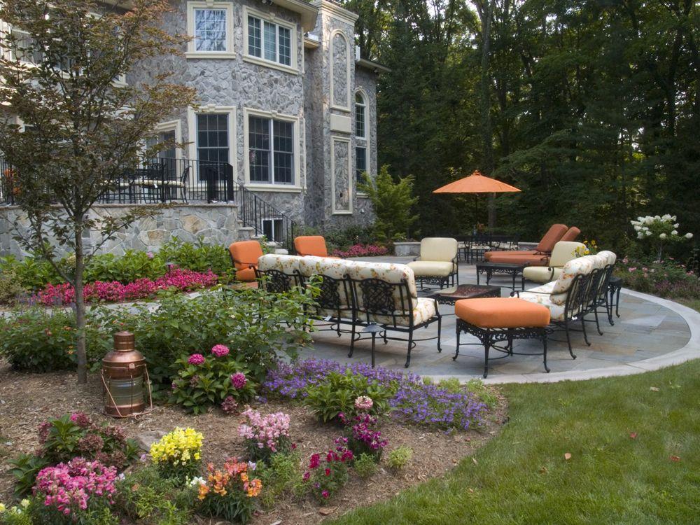 Backyard landscape and patio design | Backyard landscaping ...