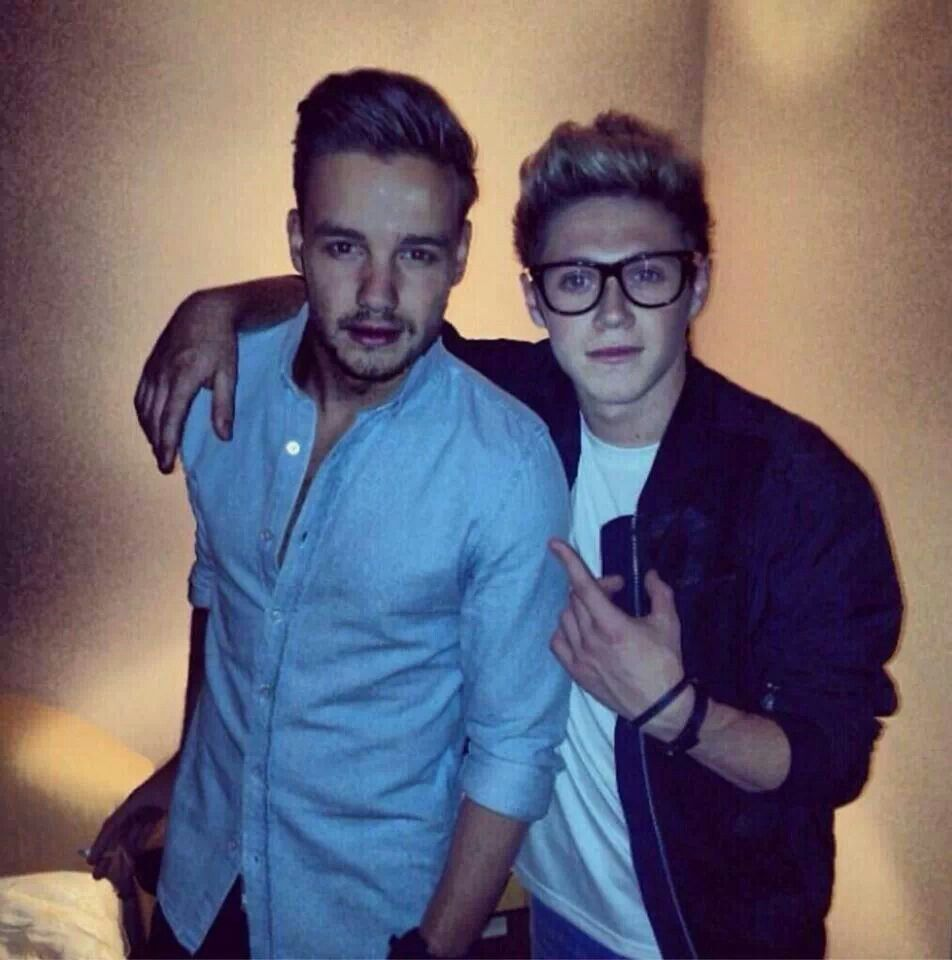 7 year old boy hairstyle hotties  but is there a cigarette in liamus right hand   one