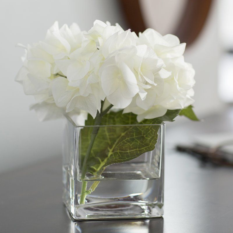 Hydrangea Floral Arrangement In Glass Vase Flower Vases Floral Arrangements Rose Floral Arrangements