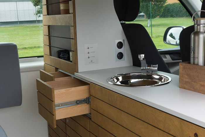 vw t4 t5 t6 wohnmobil camper campingbus ausbau selber selbstausbau k che schrank bett tisch. Black Bedroom Furniture Sets. Home Design Ideas