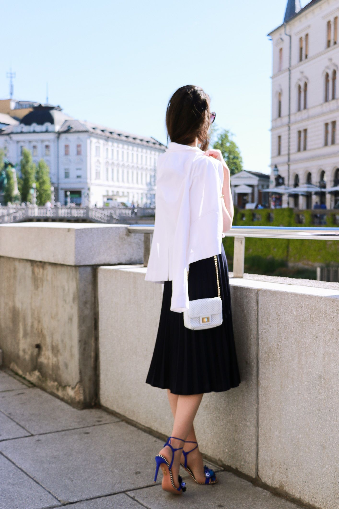 Fashion blogger Veronika Lipar of Brunette From Wall Street on stealing the vintage midi plissé skirt from her mother