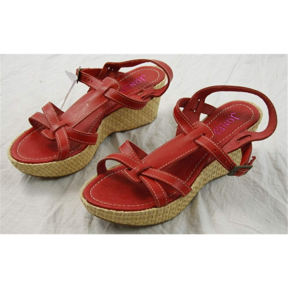 0ad3708f14f8 Jones Size 7 Red Leather Wedge Heel Sandals