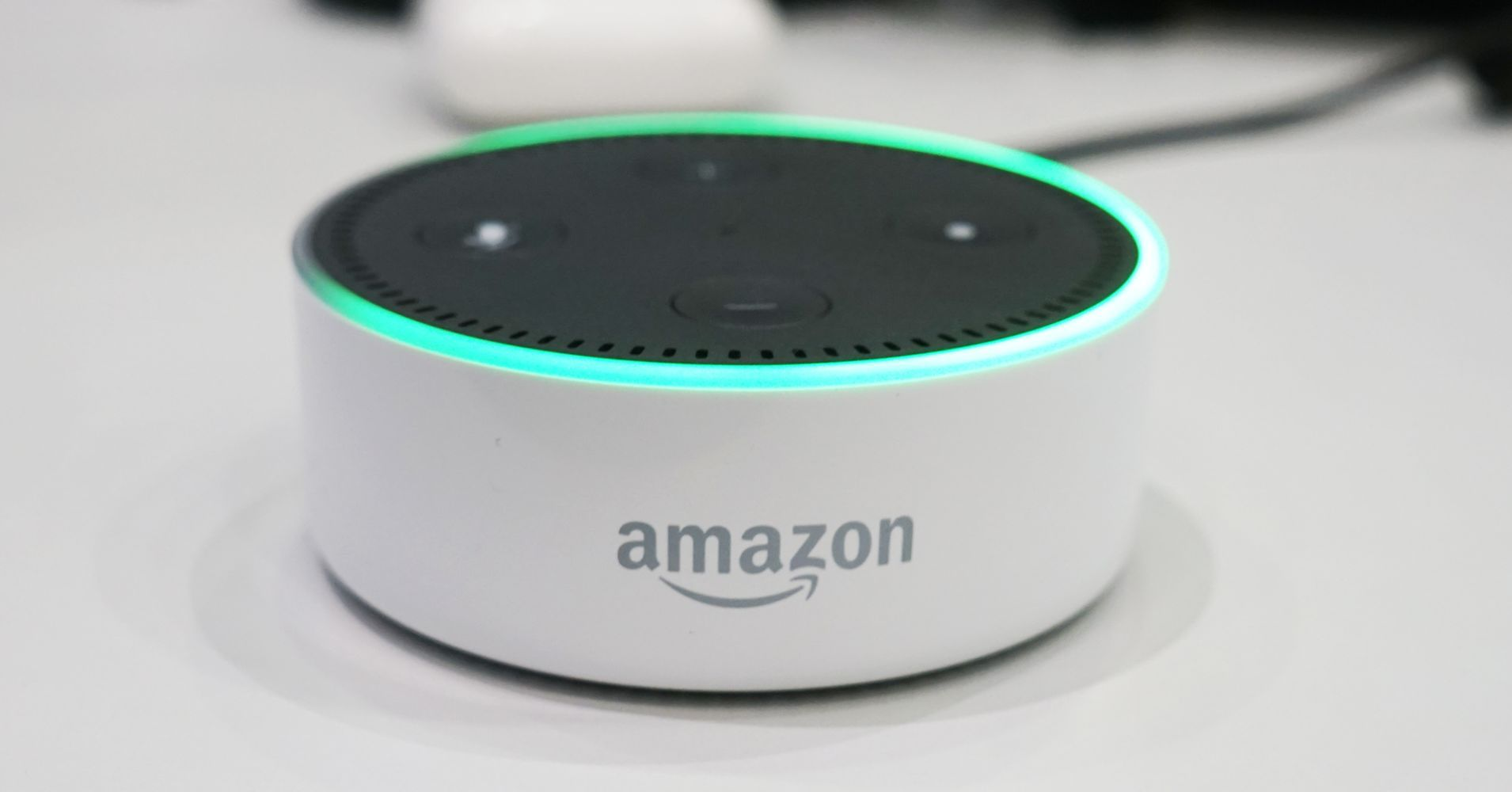 Here S What All Of The Lights On Your Amazon Echo Mean And How To Turn Them Off Amazon Echo Amazon Amazon Echo Tips